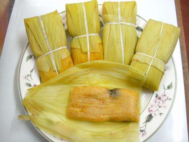 Tamales envueltos en hoja de maíz