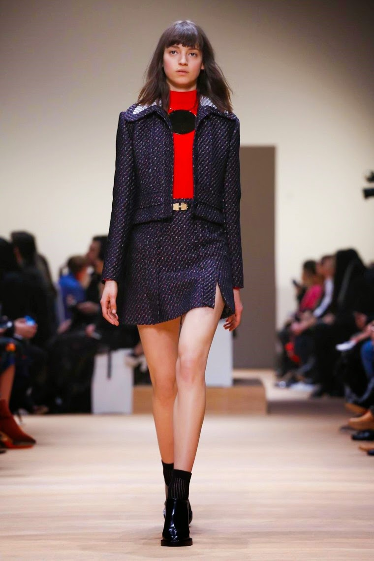 Carven, Carven AW15, Carven FW15, Carven Fall Winter 2015, Carven Autumn Winter 2015, Carven fall, Carven fall 2015, du dessin aux podiums, dudessinauxpodiums, Adrien Caillaudaud, Alexis Martial, vintage look, dress to impress, dress for less, boho, unique vintage, alloy clothing, venus clothing, la moda, spring trends, tendance, tendance de mode, blog de mode, fashion blog, blog mode, mode paris, paris mode, fashion news, designer, fashion designer, moda in pelle, ross dress for less, fashion magazines, fashion blogs, mode a toi, revista de moda, vintage, vintage definition, vintage retro, top fashion, suits online, blog de moda, blog moda, ropa, asos dresses, blogs de moda, dresses, tunique femme, vetements femmes, fashion tops, womens fashions, vetement tendance, fashion dresses, ladies clothes, robes de soiree, robe bustier, robe sexy, sexy dress