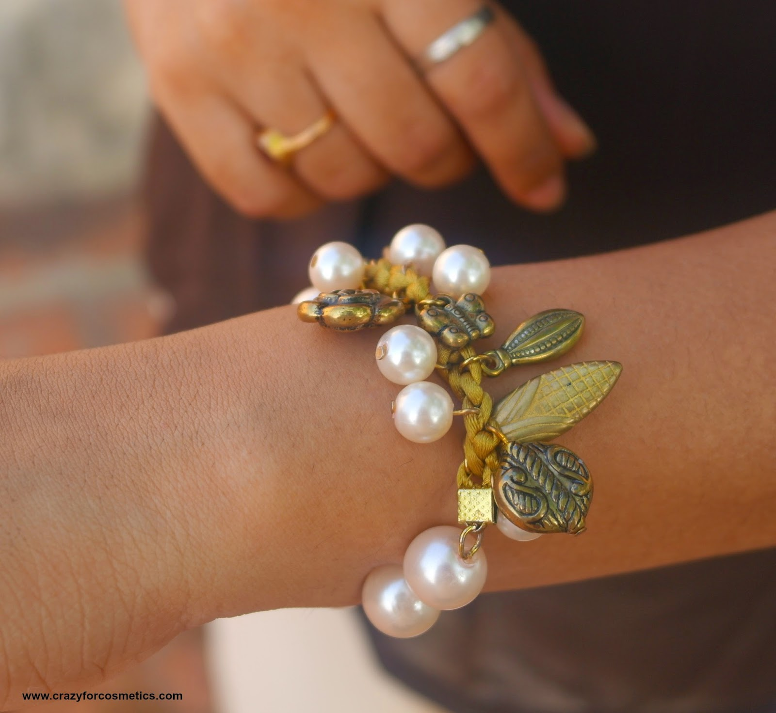 styling pearl jewelry