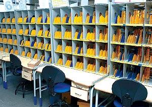 El cartero no llama dos veces for Oficina de correos parla