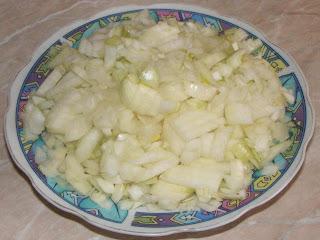 ceapa taiata, ceapa taiata marunt, retete cu ceapa, ceapa galbena, preparate din ceapa, retete culinare, ceapa pentru gatit, ceapa pentru mancare,