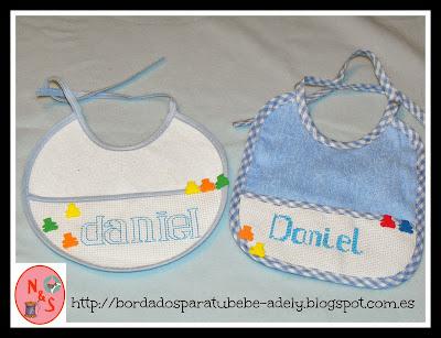 babero punto de cruz personalizado-regalos personalizados bebe