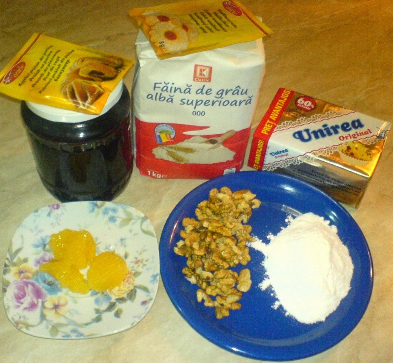 ingrediente pentru tarta cu nuci si gem, retete si preparate culinare tarta cu nuci si gem de caise,