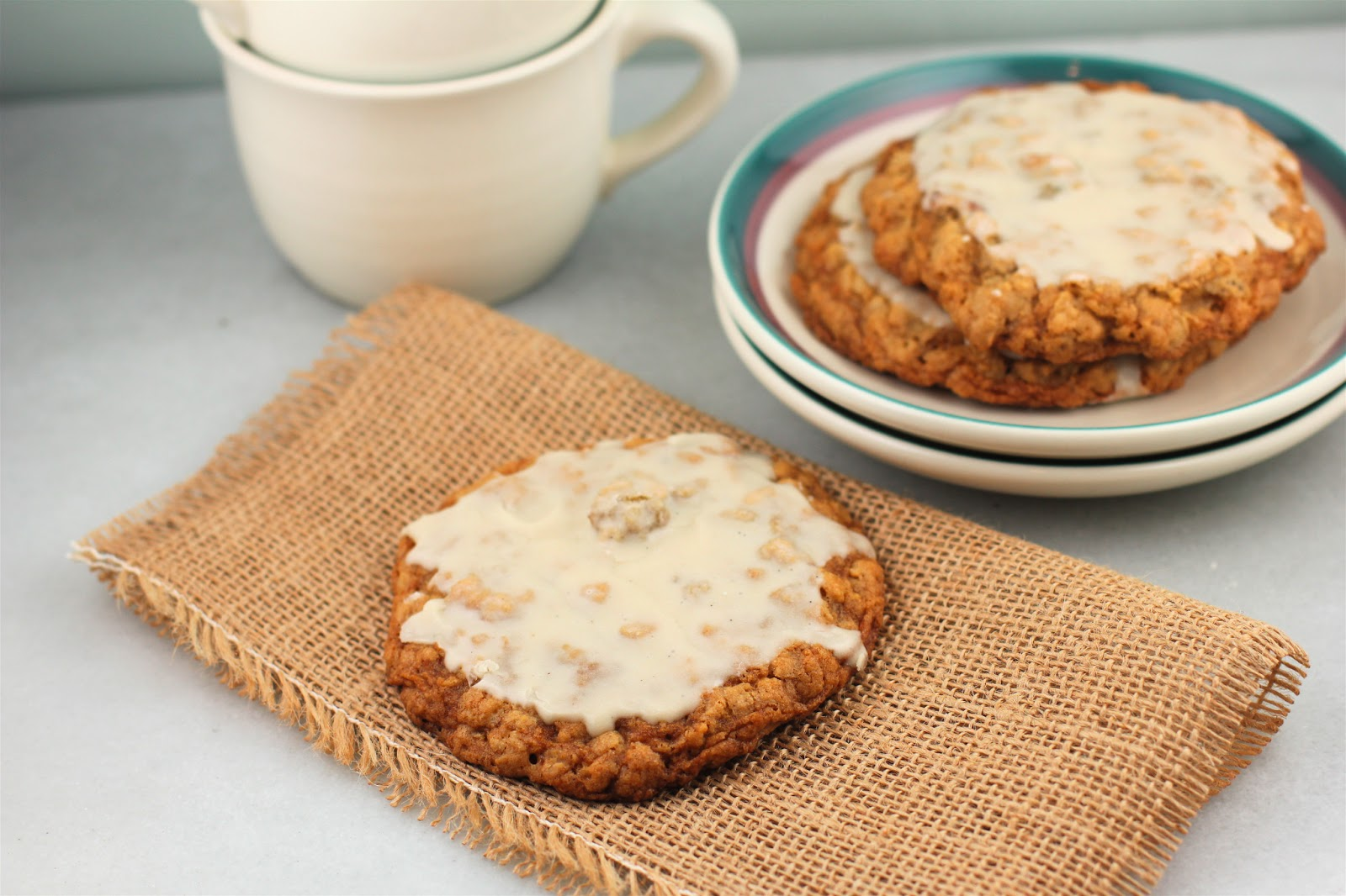 Oatmeal Maple Cookies with Maple Glaze | A Red Binder