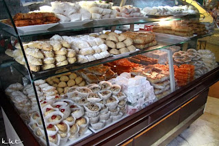 Cafe-Maure-Paris-large-sweet-selection