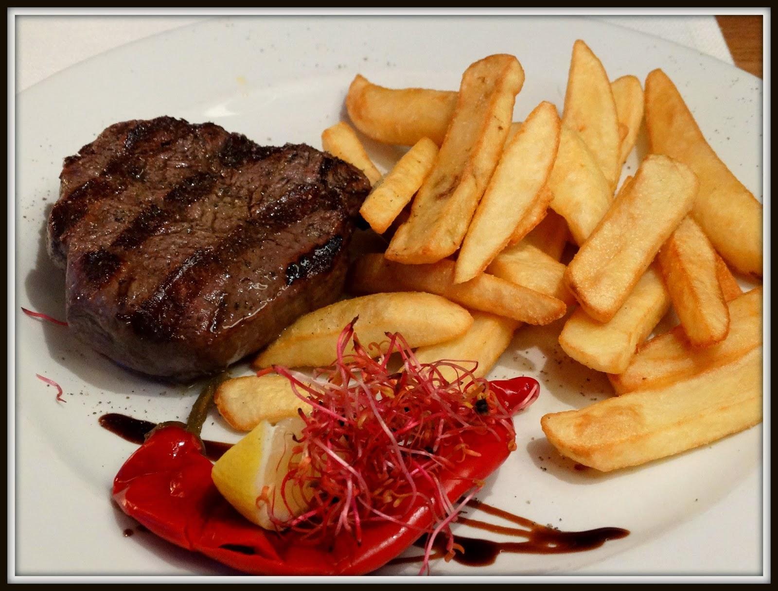 """Stek z biodrowej """"La Morocha"""" Bife de cuadri, Pimiento, Restauracja Argentyń"""
