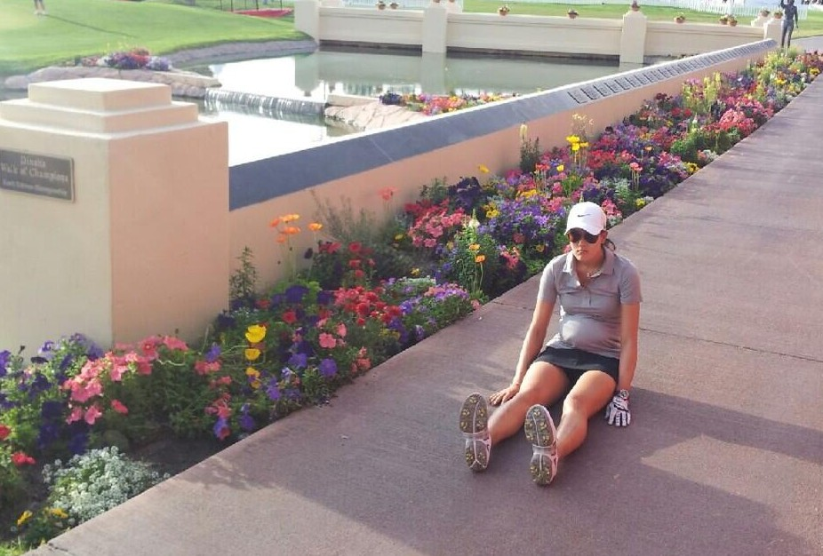 Michelle Wie dufnering on the Mission Hills Walk of Champions