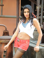 Akshida Hot Photos from Yuddam Movie Song shooting spot-cover-photo