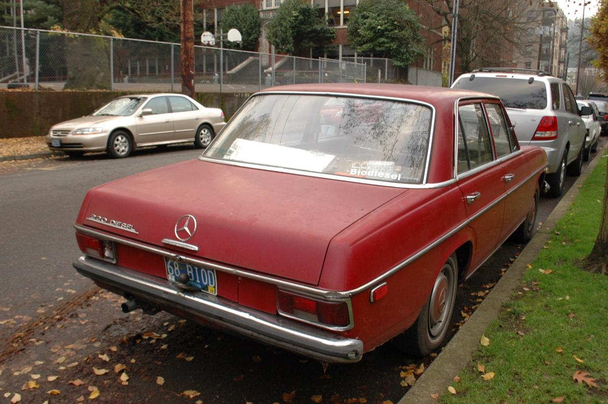 Old parked cars 1968 mercedes benz 220 diesel for Mercedes benz diesel models
