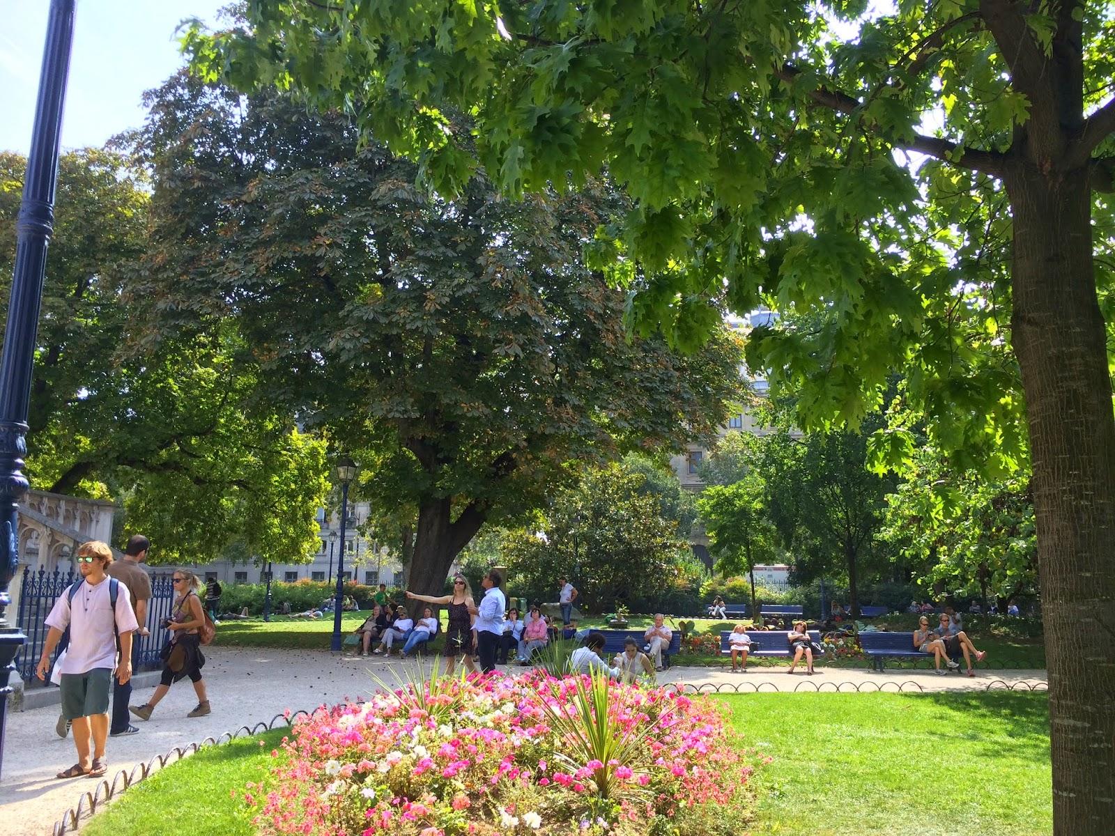 Saint Jacques Park içi