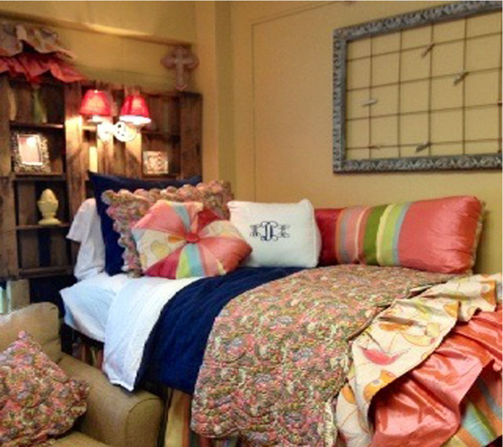A Touch of Southern Grace  What To Do With A Dorm Room ~ 114216_Dorm Room Ideas Single