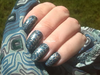 SV by Sparkly Vernis Gilded Lemon Drops  and Messy Mansion MM20