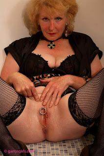 twerking girl - rs-049-740897.jpg