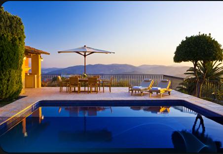Locations vacances en espagne s jours en villas et for Villa malaga piscine