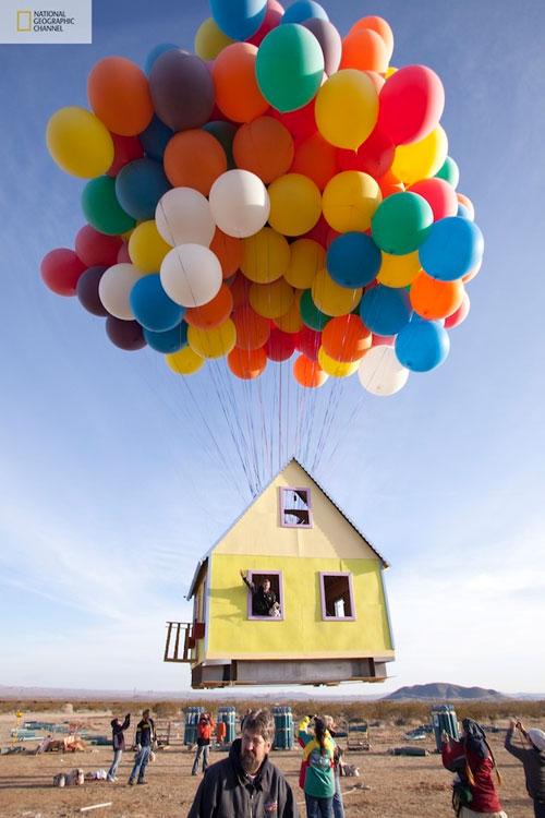 صور منزل يطير باستخدام البالونات !! مشروع جديد مستوحى من فيلم ديزني up up-3.jpg