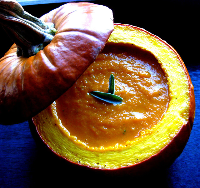 ... Vegetarian Food Blog: Pumpkin Soup Bowls and Roasted Pumpkin Seeds