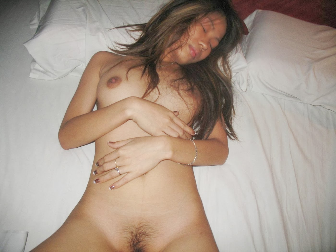 Amateur girls having hardcore sex