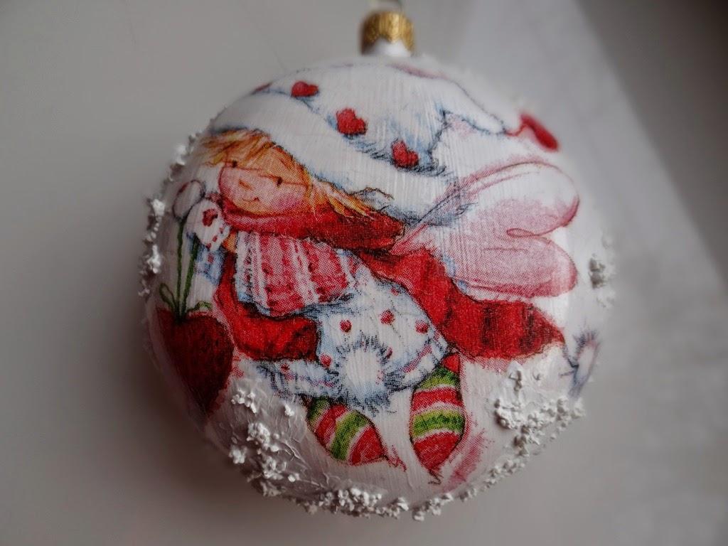 bombka decoupage ze śniegiem, Boże Narodzenie, dekoracje, bombki