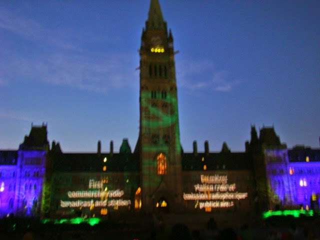 Espectáculo de luz y sonido del Parlamento. Ottawa, Canada