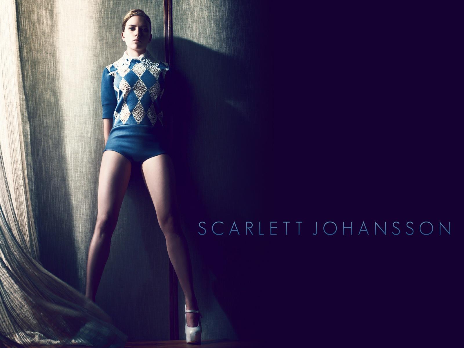 scarlett johansson in stockings
