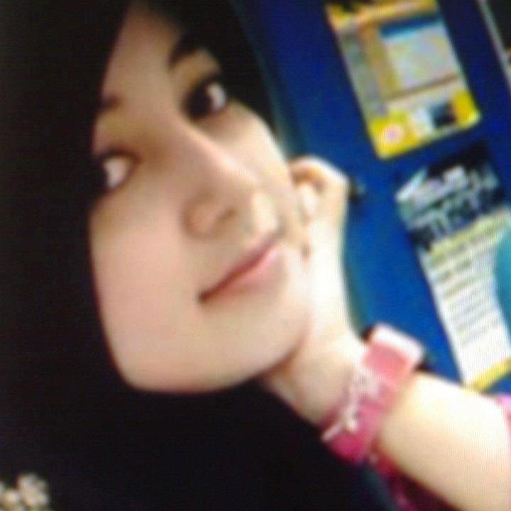 Gadis Cantik Ber Jilbab