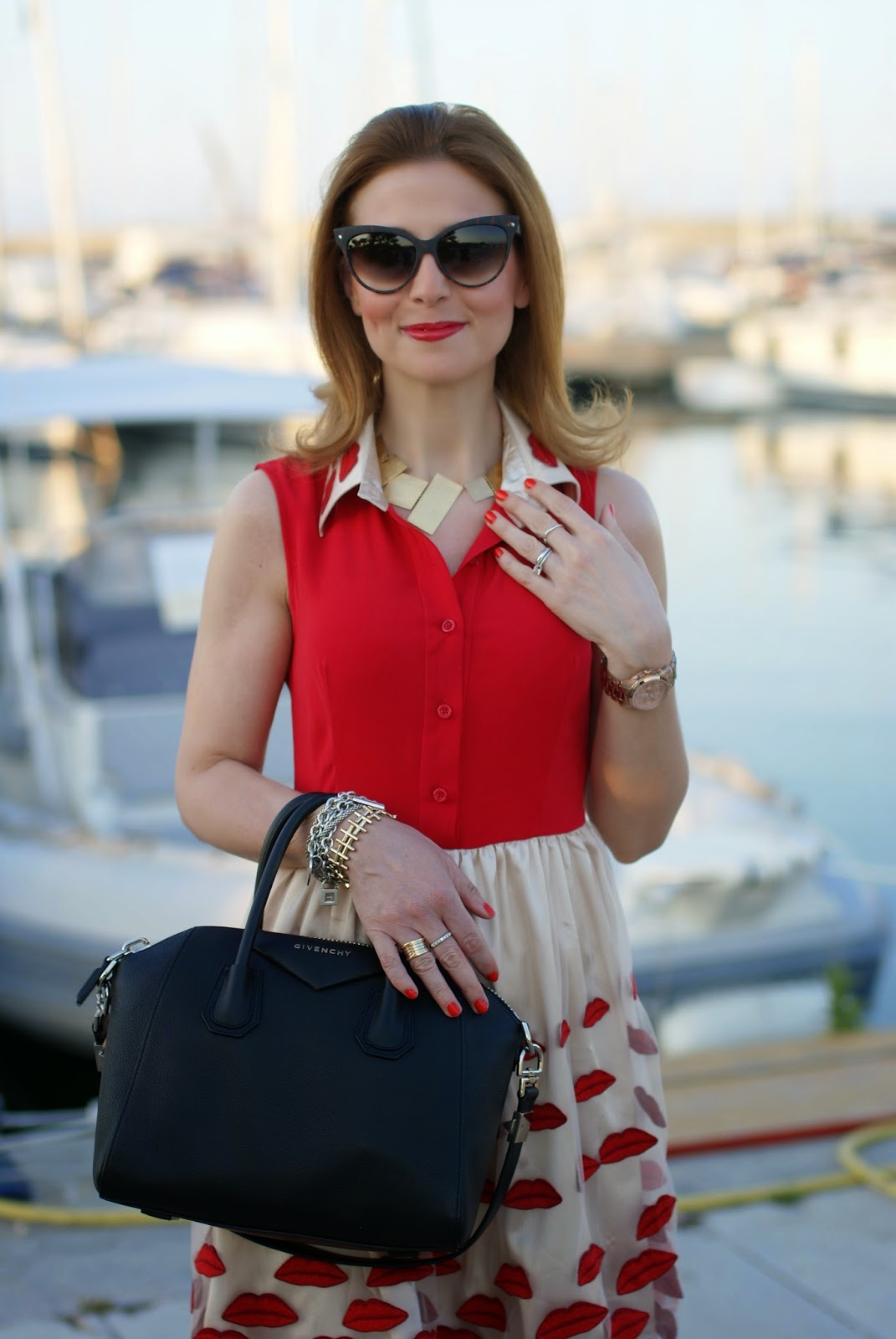 Vitti Ferria Contin necklace, NAU! sunglasses, Givenchy Antigona bag, Fashion and Cookies, fashion blogger