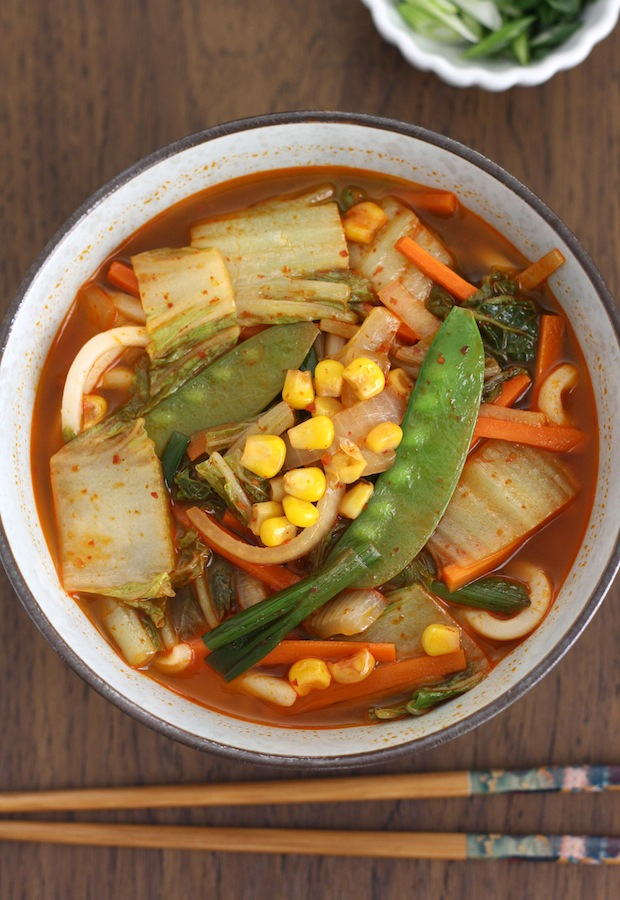 Spicy Korean-Chinese Vegetables Noodle Soup by SeasonWithSpice.com