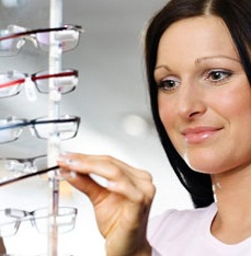 Eye Exam to Detect Eye Defects