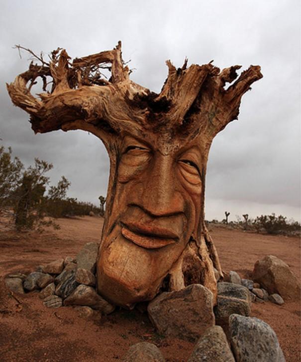 Tree carving artwork best example