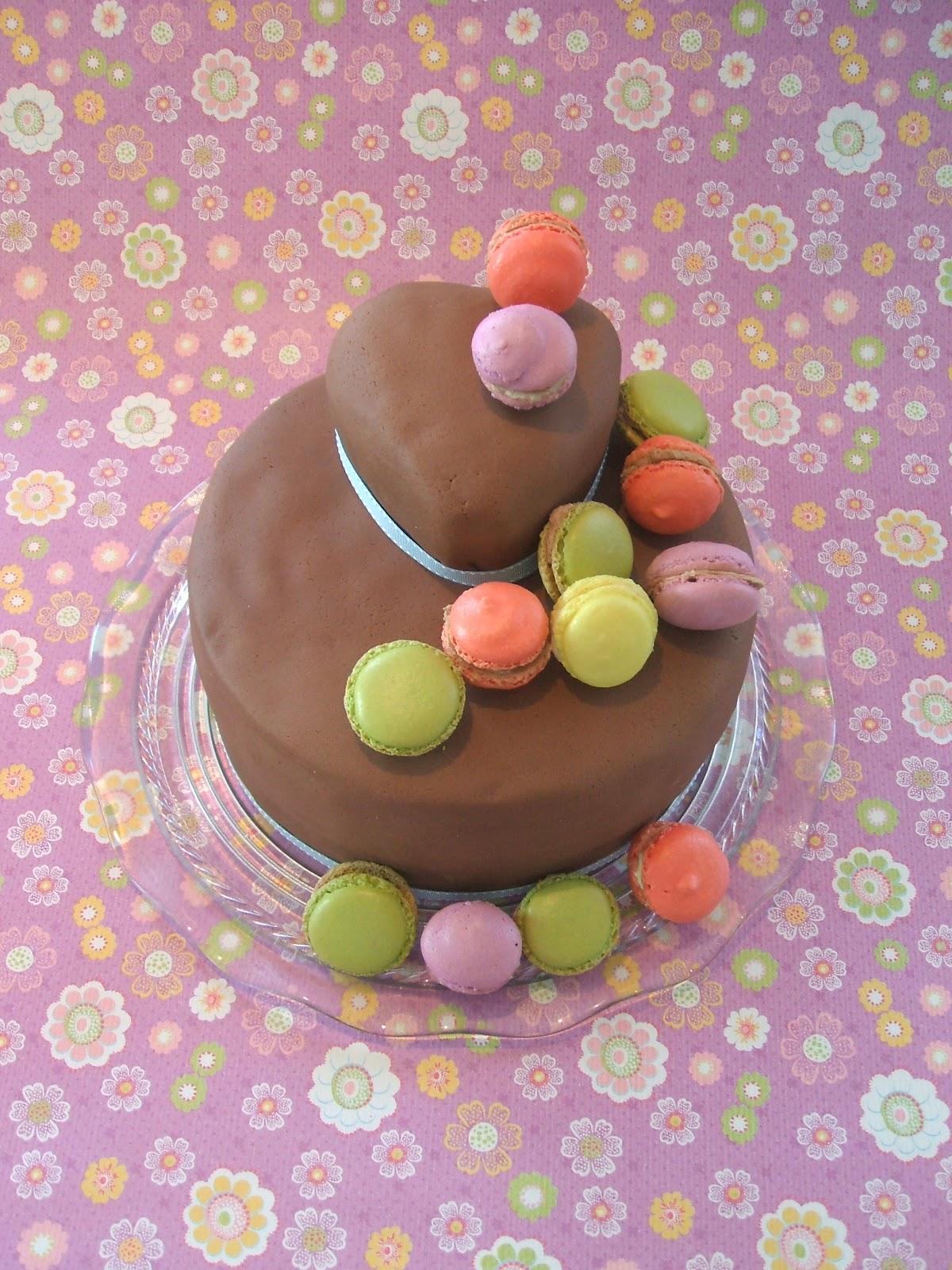 Getortet: Geburtstagstorte mit Macaron