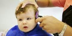 Cara Yang Benar Memotong Rambut Bayi