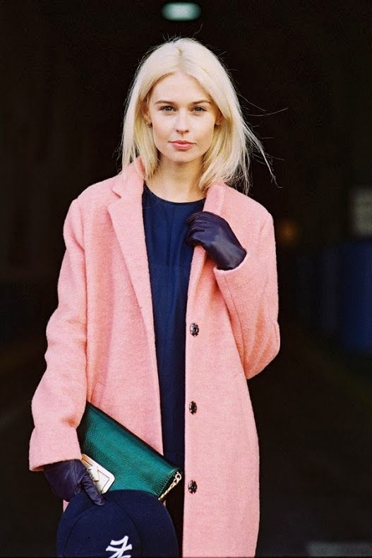 baby pink coat, emerald green clutch, baseball cap, outfit inspiration, street style, pastels