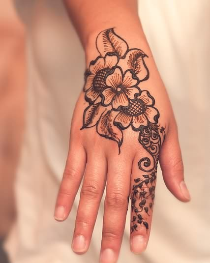 Henna Tattoos for Girls On Hands