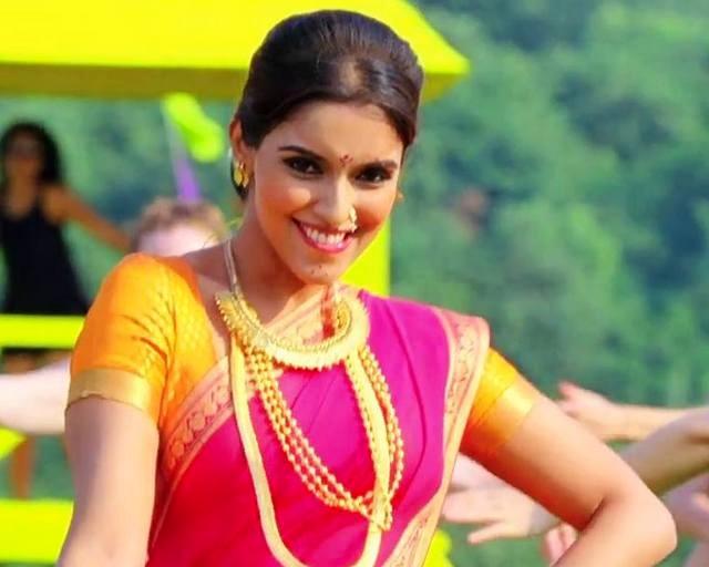 Asin Marathi Look Photo