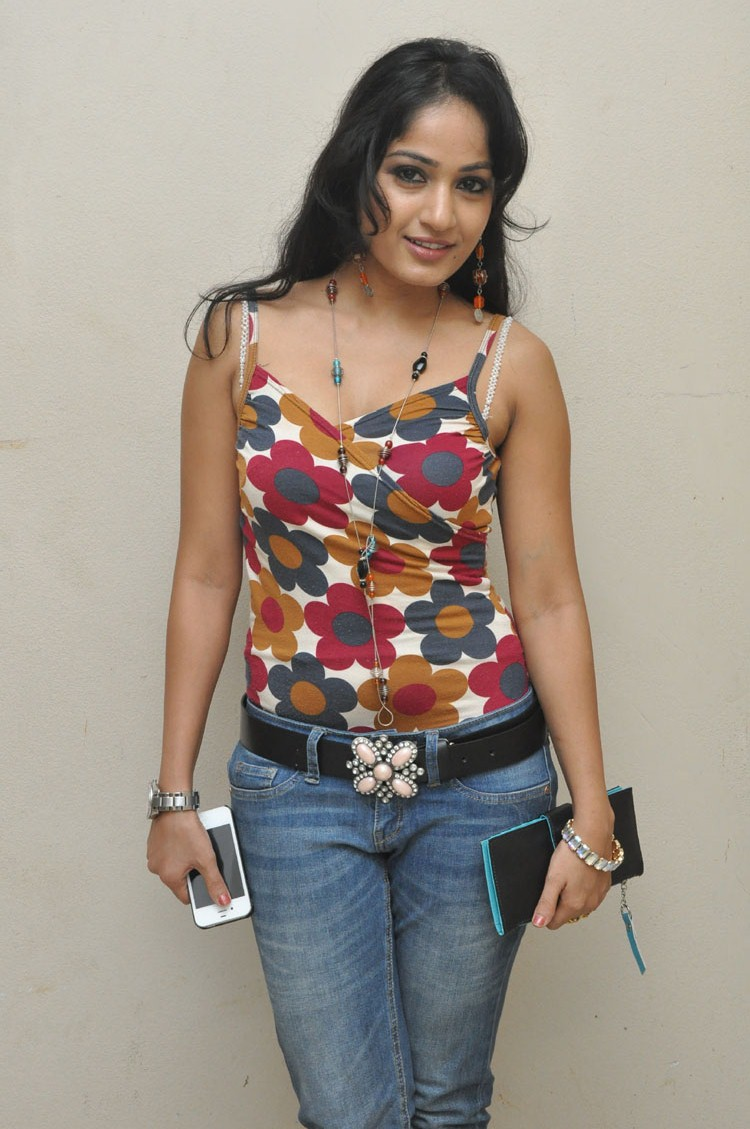 tamil heroines neud photos