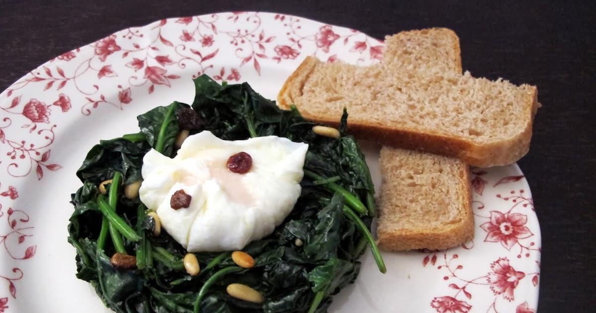 Espinacas salteadas con huevo poché
