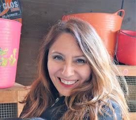 Elga Reátegui (Periodista y escritora)