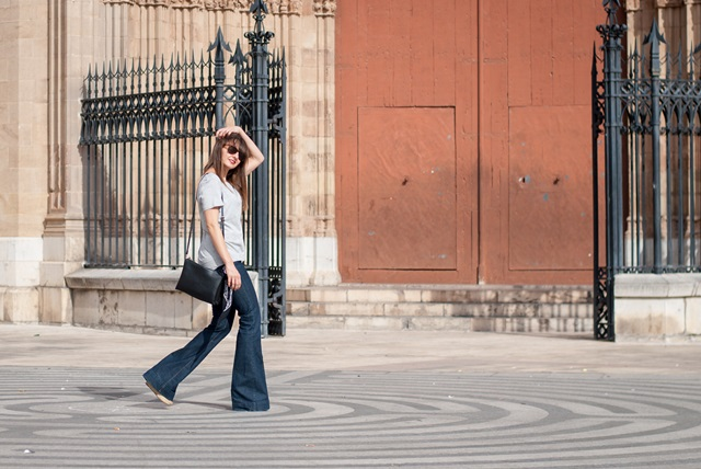 Flare jeans look