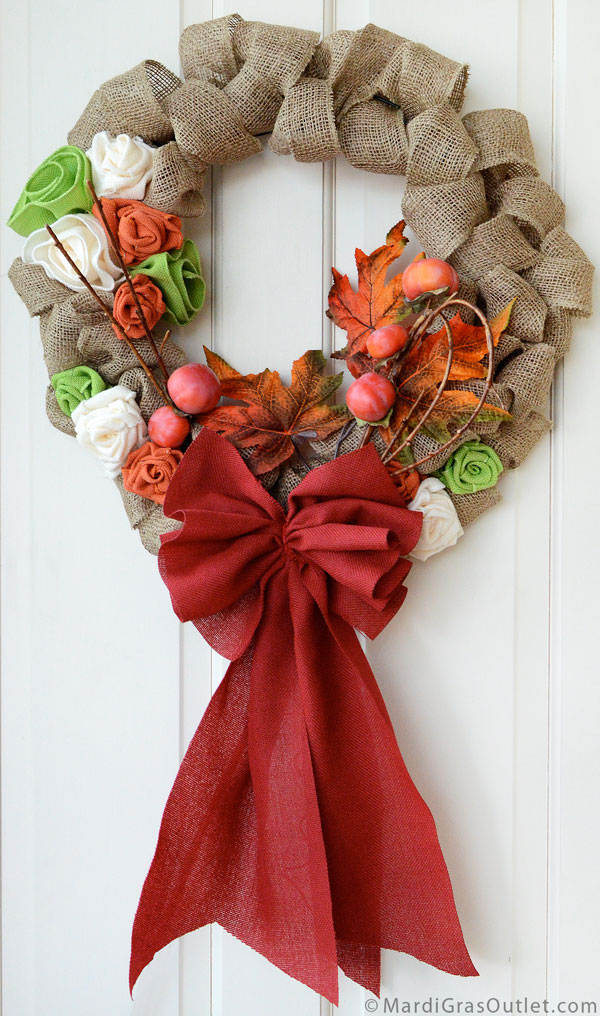 How to Make a Burlap Bow | Tutorial for Natural Decor by MardiGrasOutlet.com