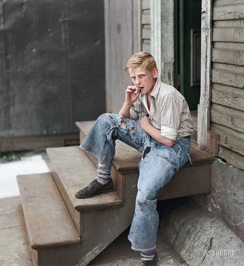 Fotografía de un chico en Baltimore en 1938