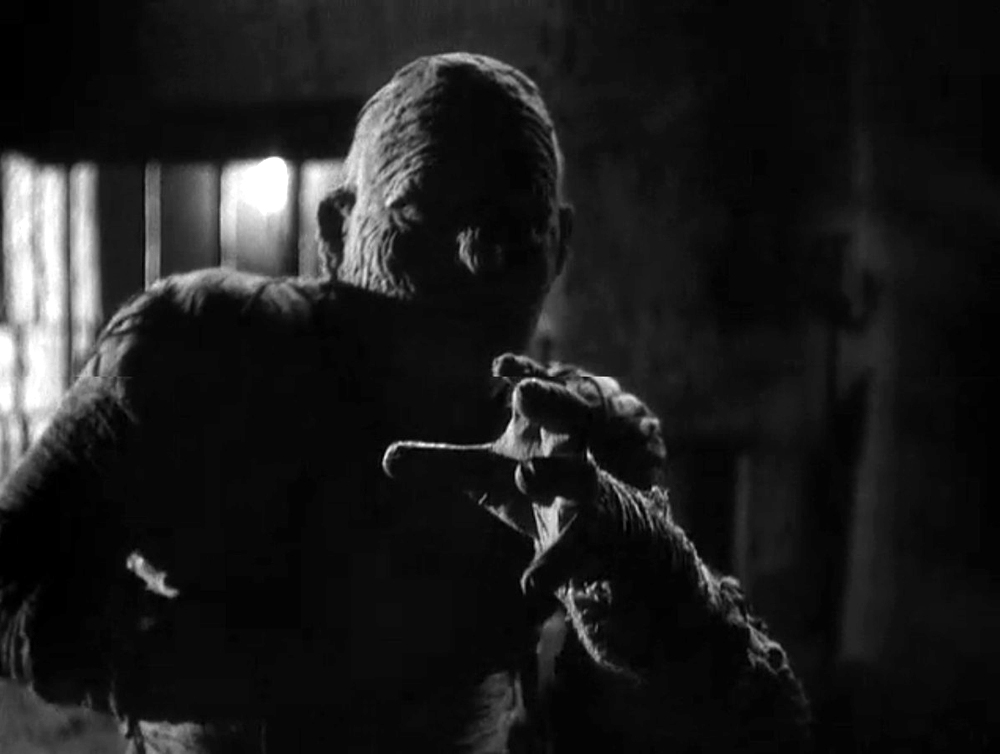 the mummy's curse The mummy's curse universal pictures got a lot of mileage out of its famed monsters, most of whom made their debut in the 1930s with franchises that lasted many years this was the fifth entry in the series that began with the mummy (1932),.
