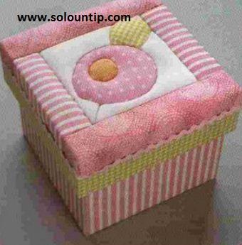 Cajas decoradas con tela for Forrar cajas de carton con tela