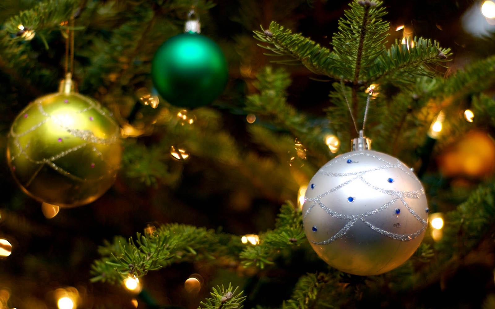 christmas balls background - photo #3