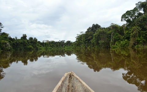 canoeing amazon iquitos peru