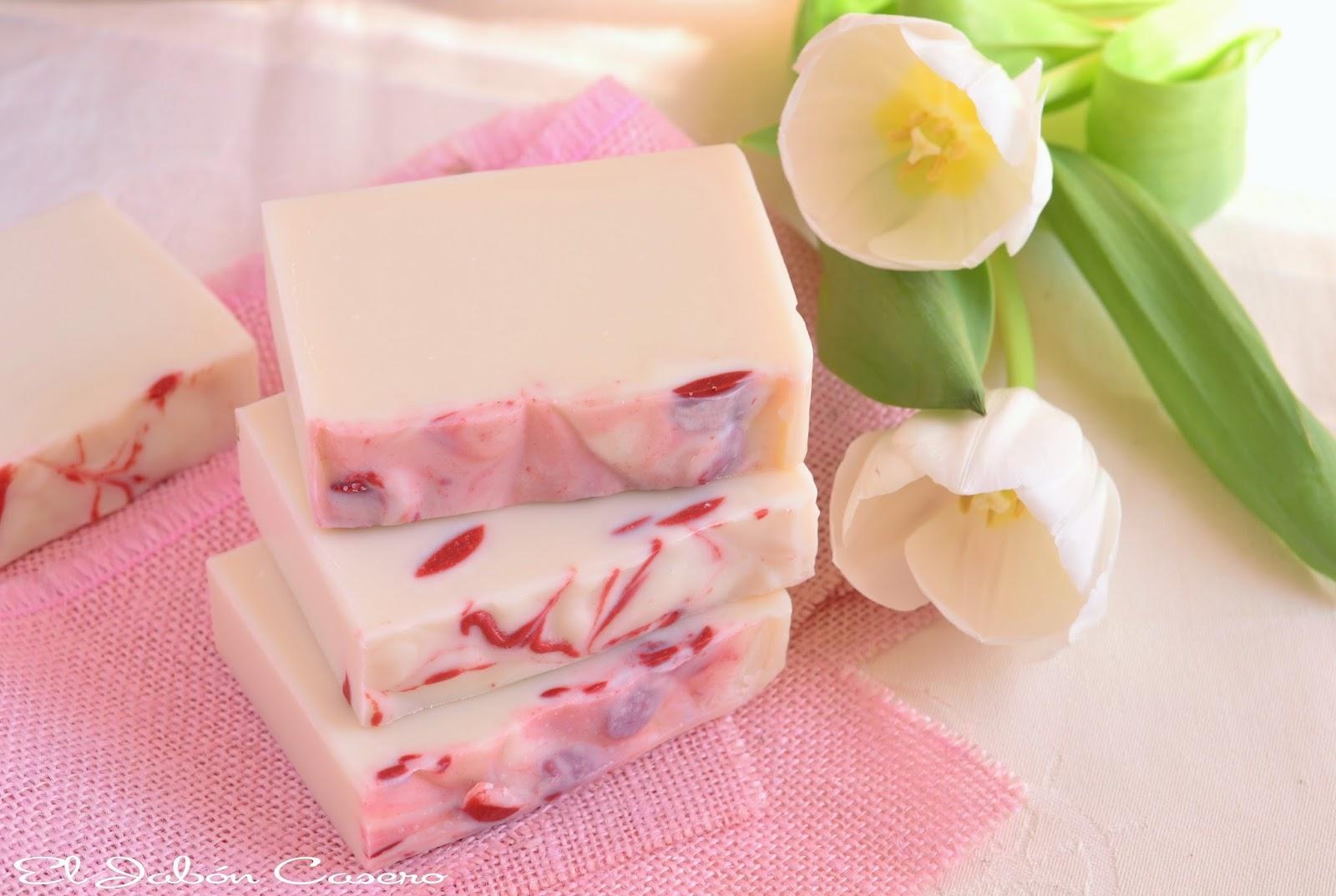 detalles para invitados bodas jabones de fresas