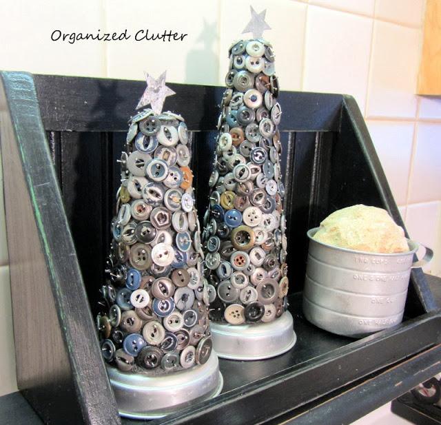 Grubby Button Christmas Trees www.organizedclutterqueen.blogspot.com