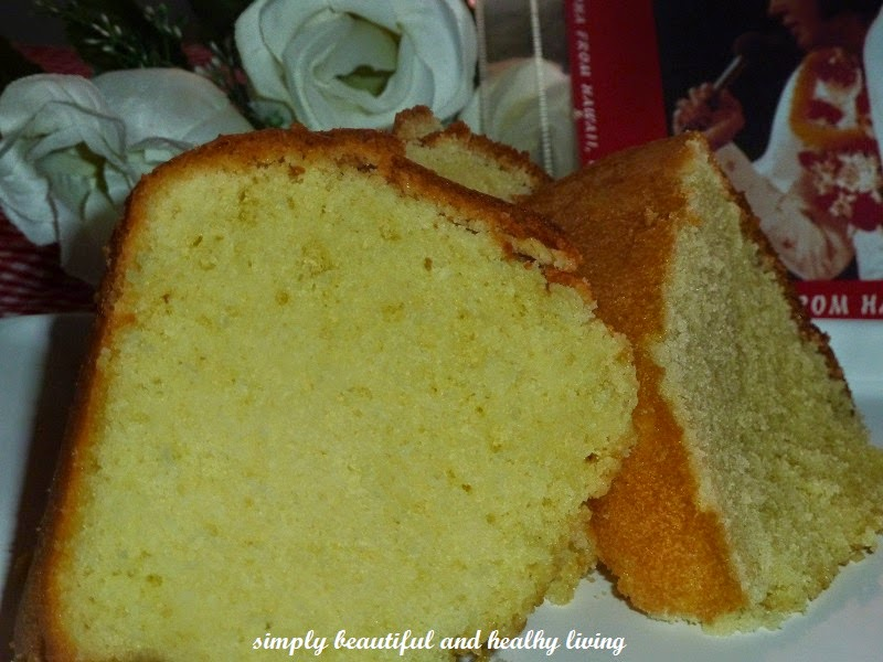 It was Elvis Presley's favourite pound cake, baked by his mom, Gladys ...