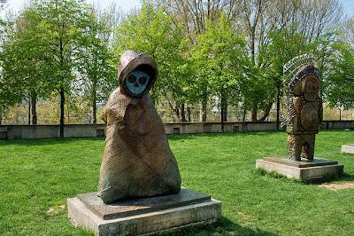 Estatuas situadas en el parque Bercy - Paris