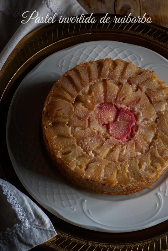pastel-invertido-de-ruibarbo