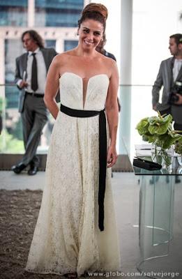 Modelo vestido noiva da Helô